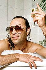 """FJOLLA: Jean Pierre Barda Med motiveringen """"Jean-Pierre Barda dricker vitt vin i stället för öl, eftersom man inte blir lika tjock av vin. - barda"""