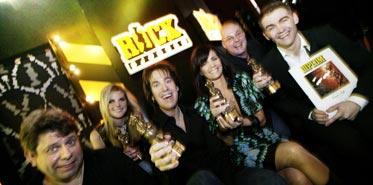 Gyllene tider, Ana och Lena Philipsson jublar ikapp efter att ha vunnit sina Rockbjörnar under kvällen