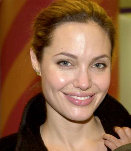 Angelina Jolie Height, Weight & Measurements :