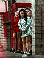 män som går till prostituerade eskorter i stockholm